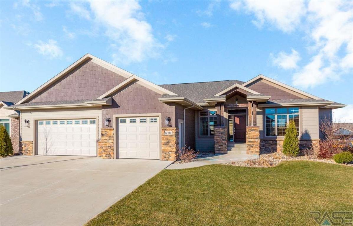 6304 E Jasper Cir, Sioux Falls, SD 57110