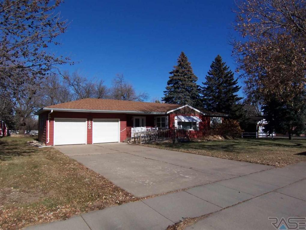 4500 E 19th St, Sioux Falls, SD 57110