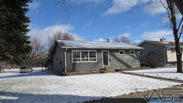1300 S Bruce Rd, Sioux Falls, SD 57105
