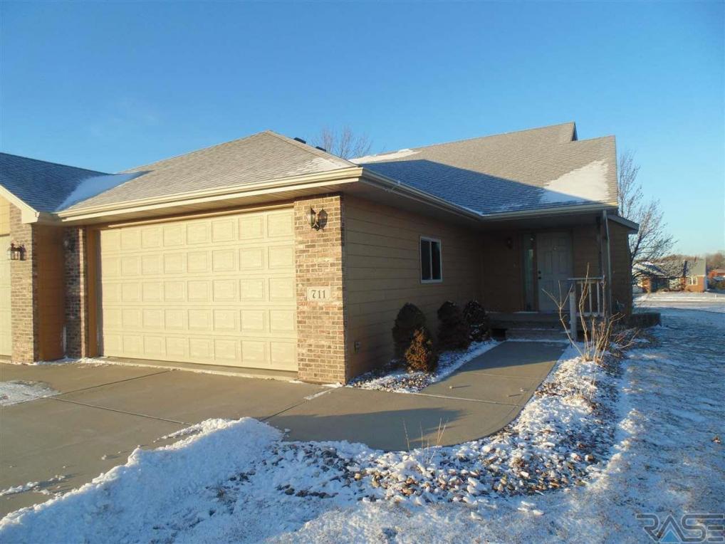 711 N Bahnson Ave, Sioux Falls, SD 57103