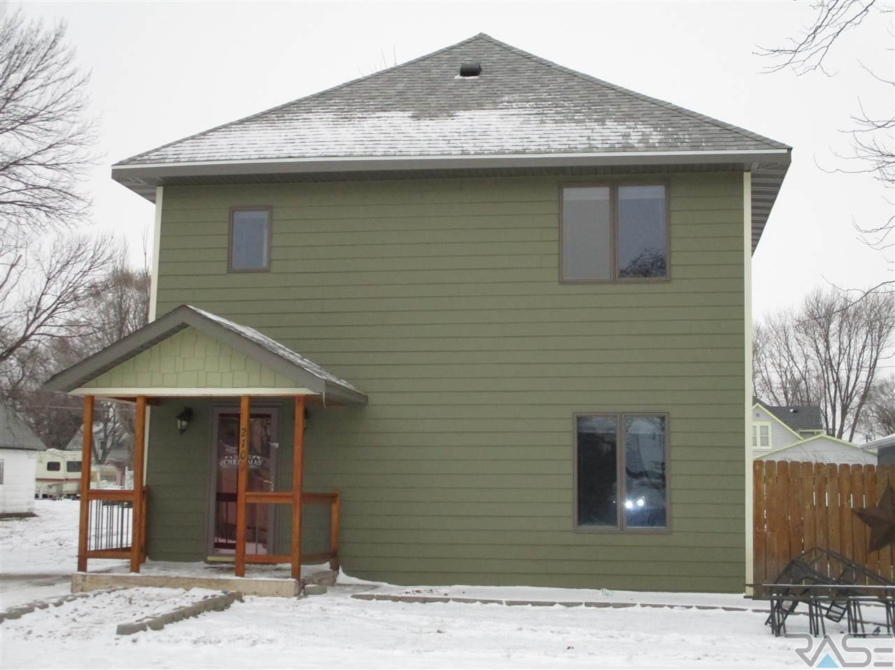 EXIT Realty Sioux Empire Lists 210 N 3rd Ave. Canistota, SD!