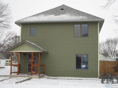 Photo of 210 N 3rd Ave, Canistota, SD 57012