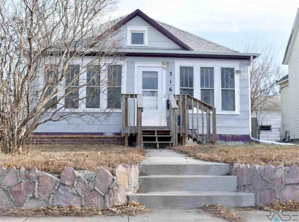 316 N Nesmith Ave, Sioux Falls, SD 57103