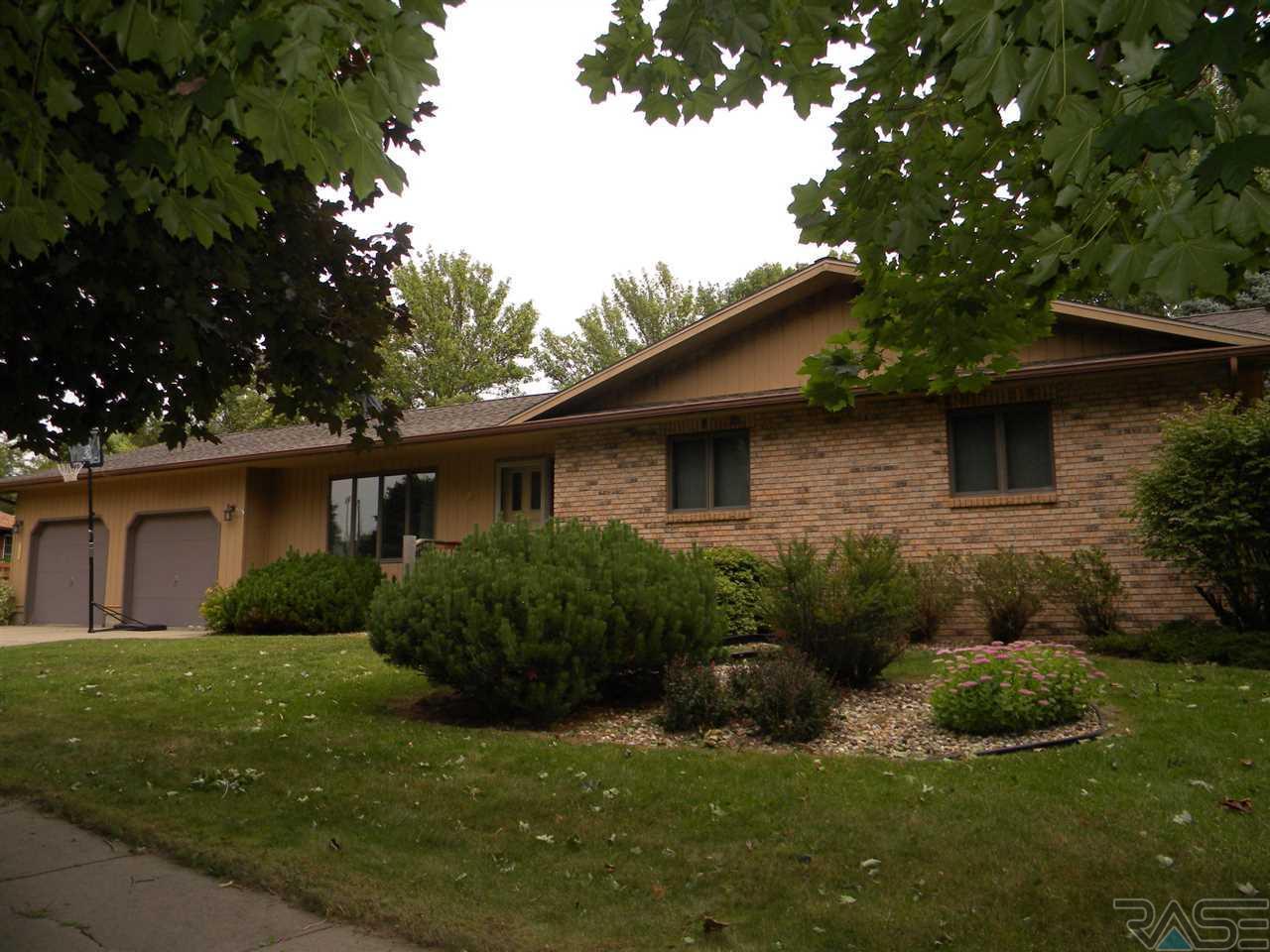Open House 906 Jennifer St