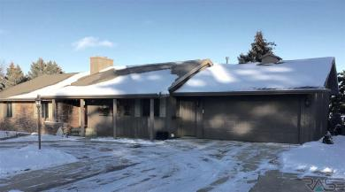 3904 S Cliff Ave, Sioux Falls, SD 57103