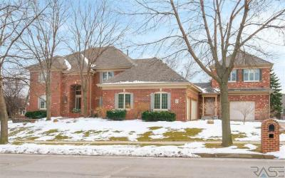 Photo of 209 W St. Andrews Dr, Sioux Falls, SD 57108