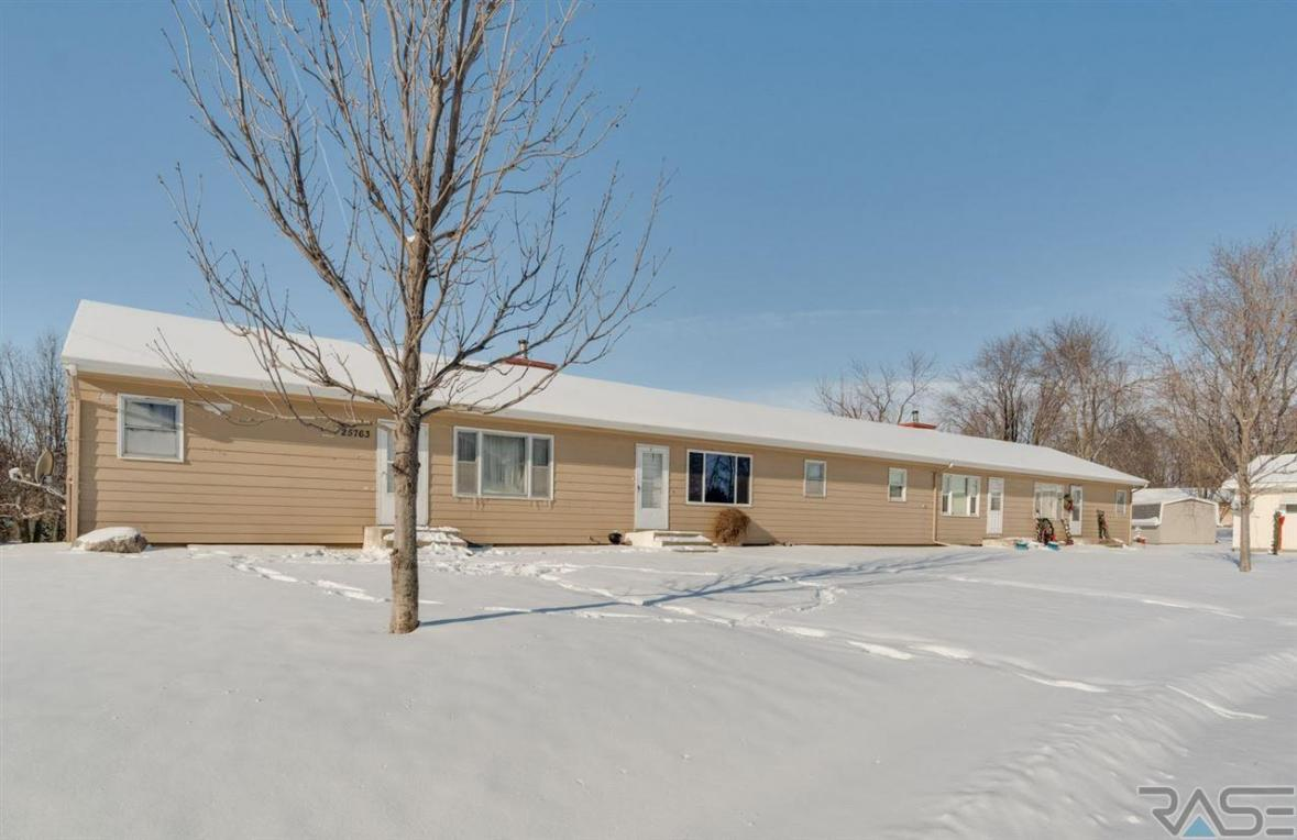 47494 Concord Dr, Renner, SD 57055