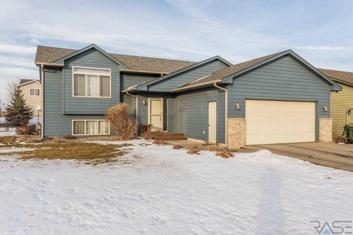 7112 W 53rd St, Sioux Falls, SD 57106