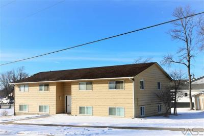 Photo of 115 N Kimball St, Canton, SD 57013