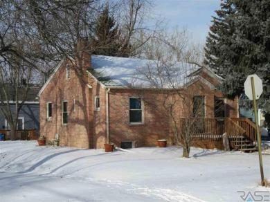621 S Lake Ave, Sioux Falls, SD 57104