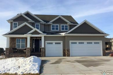 8324 E Water Wood St, Sioux Falls, SD 57110