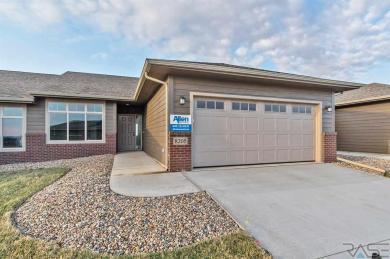 8205 W Monroe Pl, Sioux Falls, SD 57106