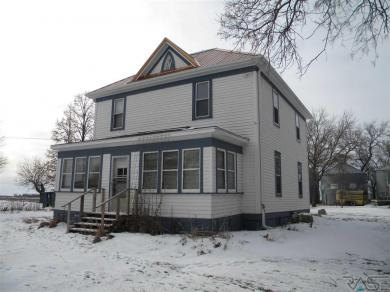 23415 449th Ave, Madison, SD 57042