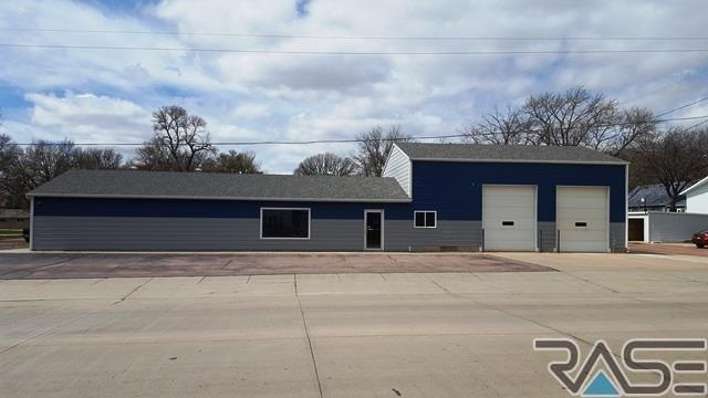 601 N Garfield Ave, Dell Rapids, SD 57022