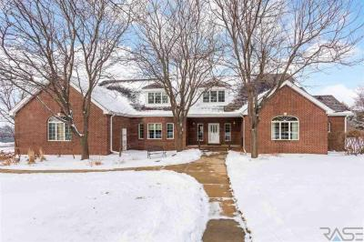 Photo of 1108 W Bittersweet Ln, Sioux Falls, SD 57108