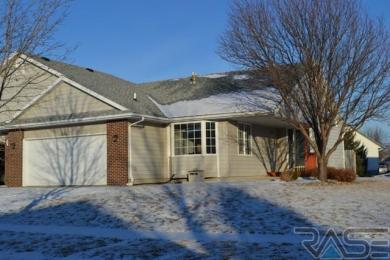 1614 S Campbell Trl, Sioux Falls, SD 57106