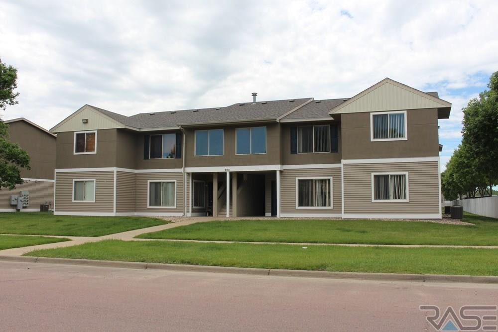 701 815 S Lyons Ave, Sioux Falls, SD 57106