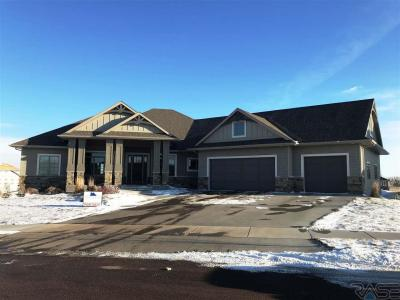 Photo of 501 E Piping Rock Ln, Sioux Falls, SD 57108