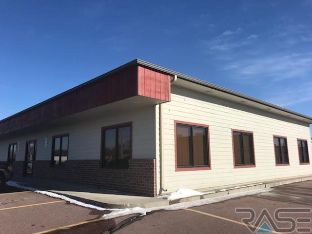 510 S Valley View Rd, Sioux Falls, SD 57107