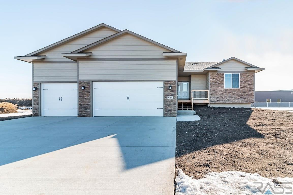 New Construction Listing MLS#21800911 - 640 Evertt, Tea, SD  57064