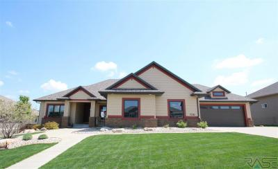 Photo of 7500 S Chatworth Cir, Sioux Falls, SD 57108