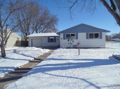 1804 N Lewis Ave, Sioux Falls, SD 57103
