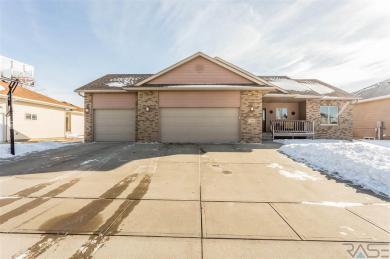 7305 W Songbird St, Sioux Falls, SD 57107