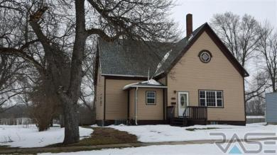 915 2nd Ave Sw, Pipestone, MN 56164