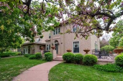 Photo of 21 S Riverview Heights Dr, Sioux Falls, SD 57105