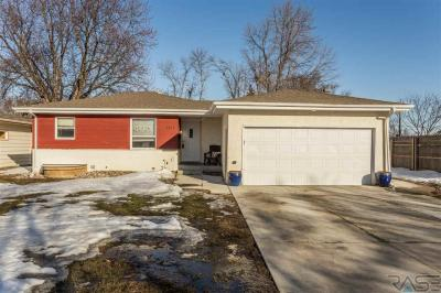 Photo of 2812 -2814 S Center Ave, Sioux Falls, SD 57105