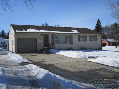 Photo of 509 N Chicago Ave, Madison, SD 57042