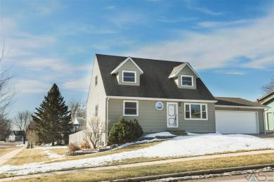 4709 E Fernwood Dr, Sioux Falls, SD 57110