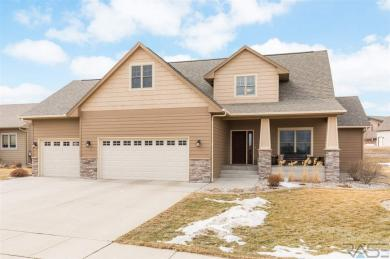 2401 S Silverthorne Ave, Sioux Falls, SD 57110