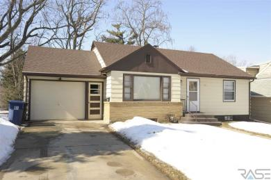 825 S Willow Ave, Sioux Falls, SD 57104