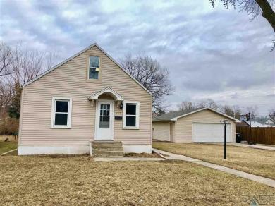 132 S Lincoln Ave, Sioux Falls, SD 57104