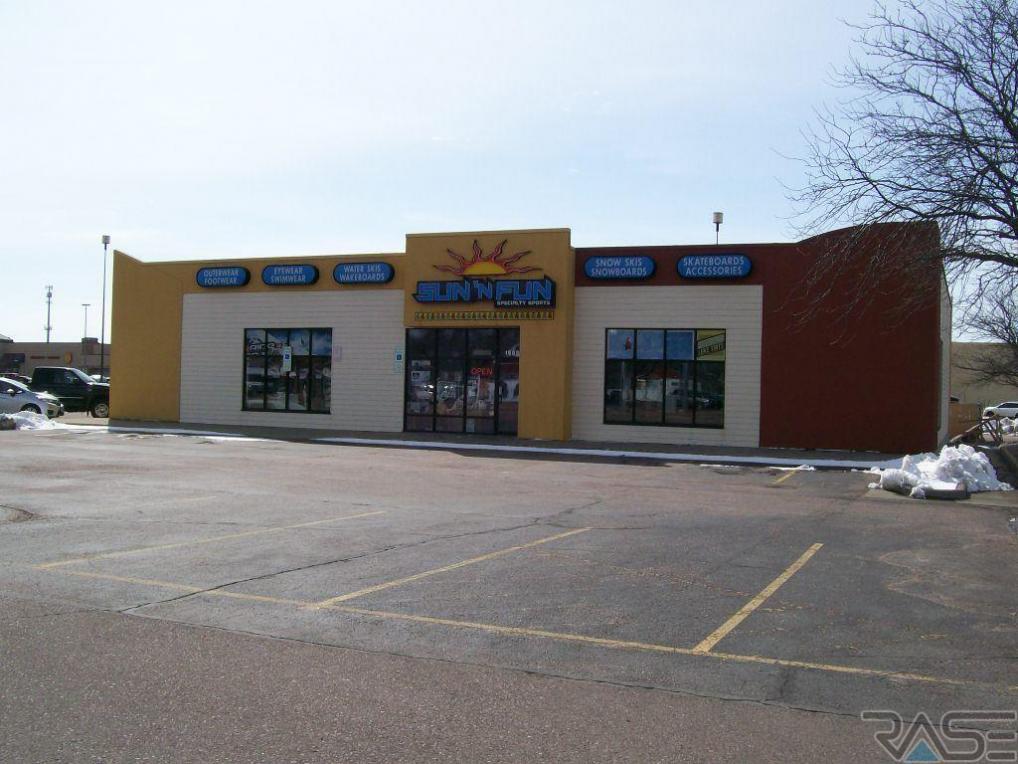 1605 W 41st St, Sioux Falls, SD 57105