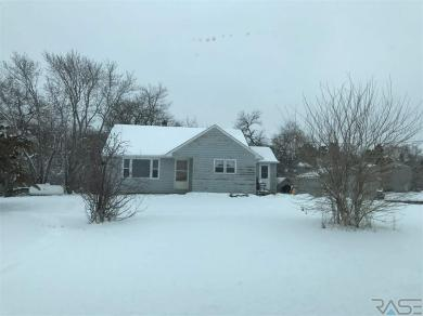 26446 455th Ave, Humboldt, SD 57035