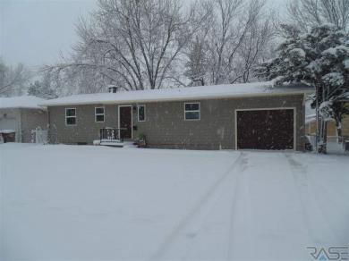 1209 W 38th St, Sioux Falls, SD 57105