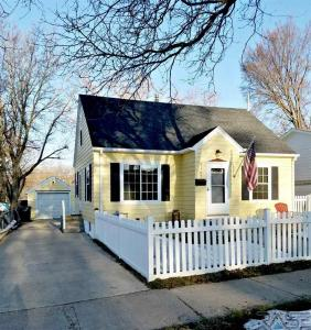 2107 S Euclid Ave, Sioux Falls, SD 57105