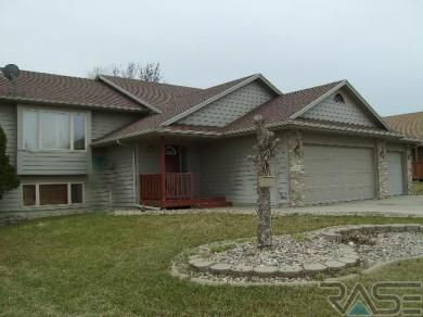 2423 S Alpine Ave, Sioux Falls, SD 57110