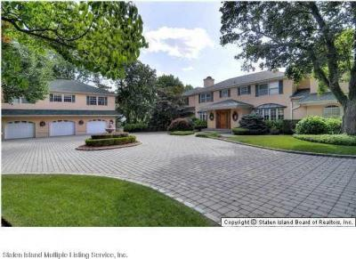 Photo of 738 Todt Hill Road, Staten Island, NY 10304