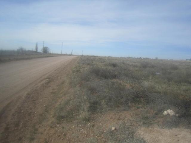 48 Roan Avenue, Moriarty, NM 87035