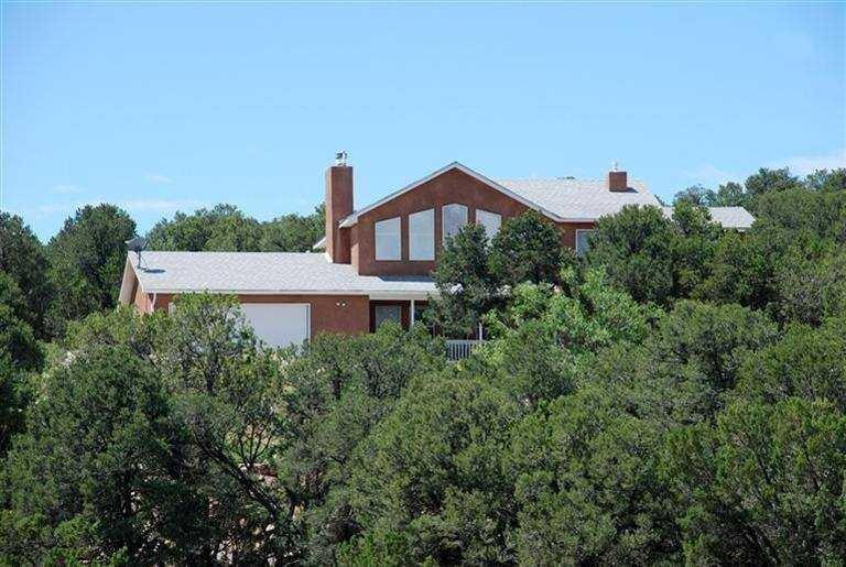98 Camino Cerritos, Edgewood, NM 87015