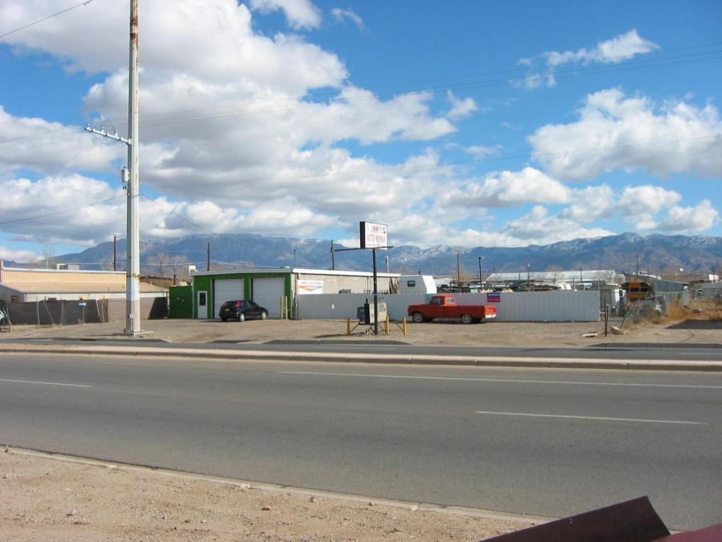 4016 2nd Street NW, Albuquerque, NM 87107