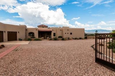 Photo of 530 Albino Road, Corrales, NM 87048