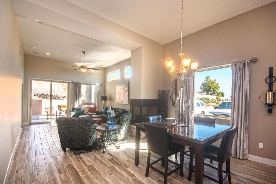 3229 Oakmount Drive SE, Rio Rancho, NM 87124