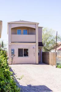 1403 3rd Street SW, Albuquerque, NM 87102