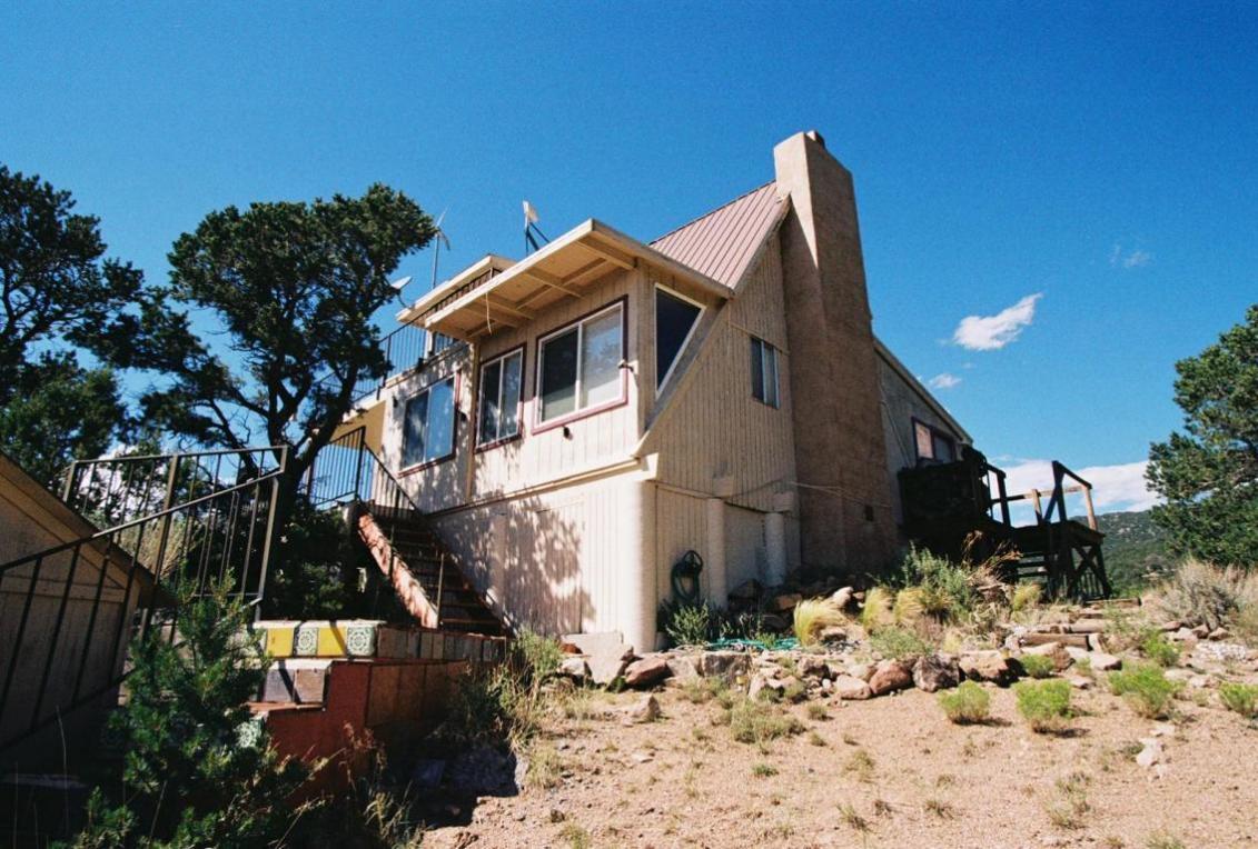 2 Cedar Lane NE, Albuquerque, NM 87122