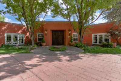 Photo of 5415 Eakes Road, Los Ranchos, NM 87107