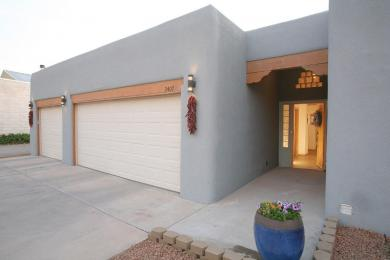 2407 Mountain Road NW, Albuquerque, NM 87104
